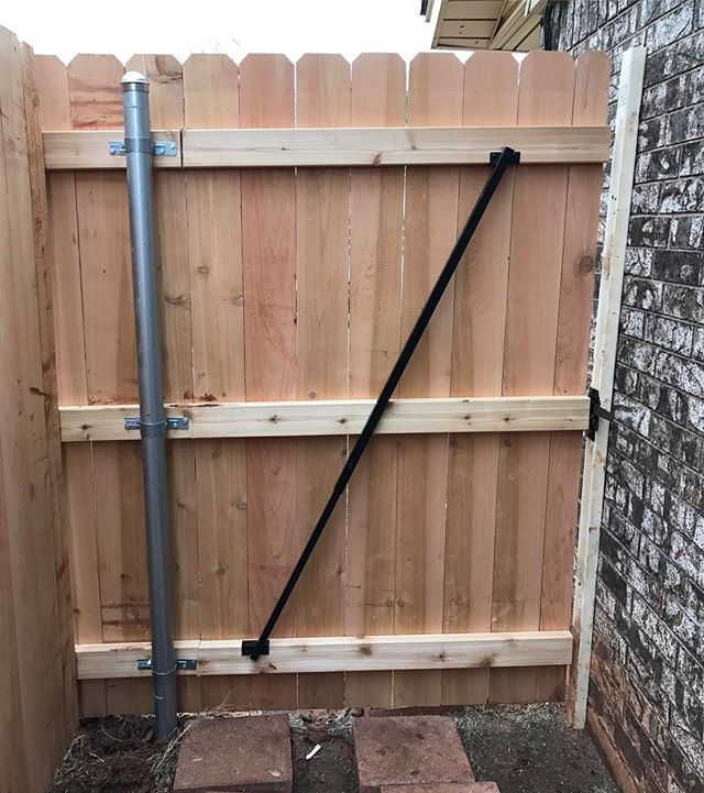 This 4' #gate is supported by #thegatebrace #thedragginggate #gates #fencegate #gatebrace #fixmygate