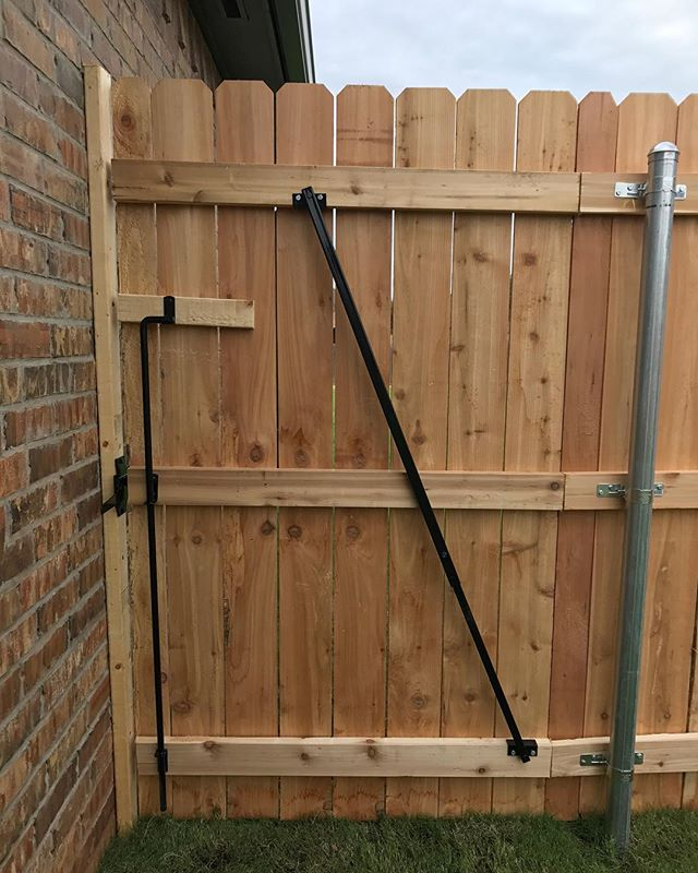#gatebrace #thegatebrace #fenceokc #gates #fence #thedragginggate