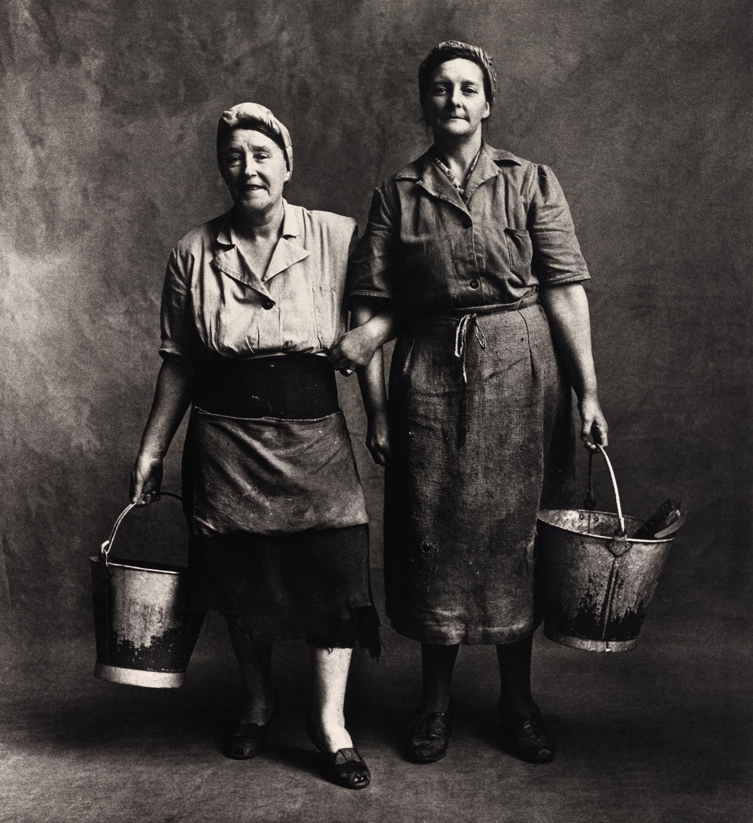 Charwomen , London, 1950 Gelatin silver print © Condé Nast (Br.)