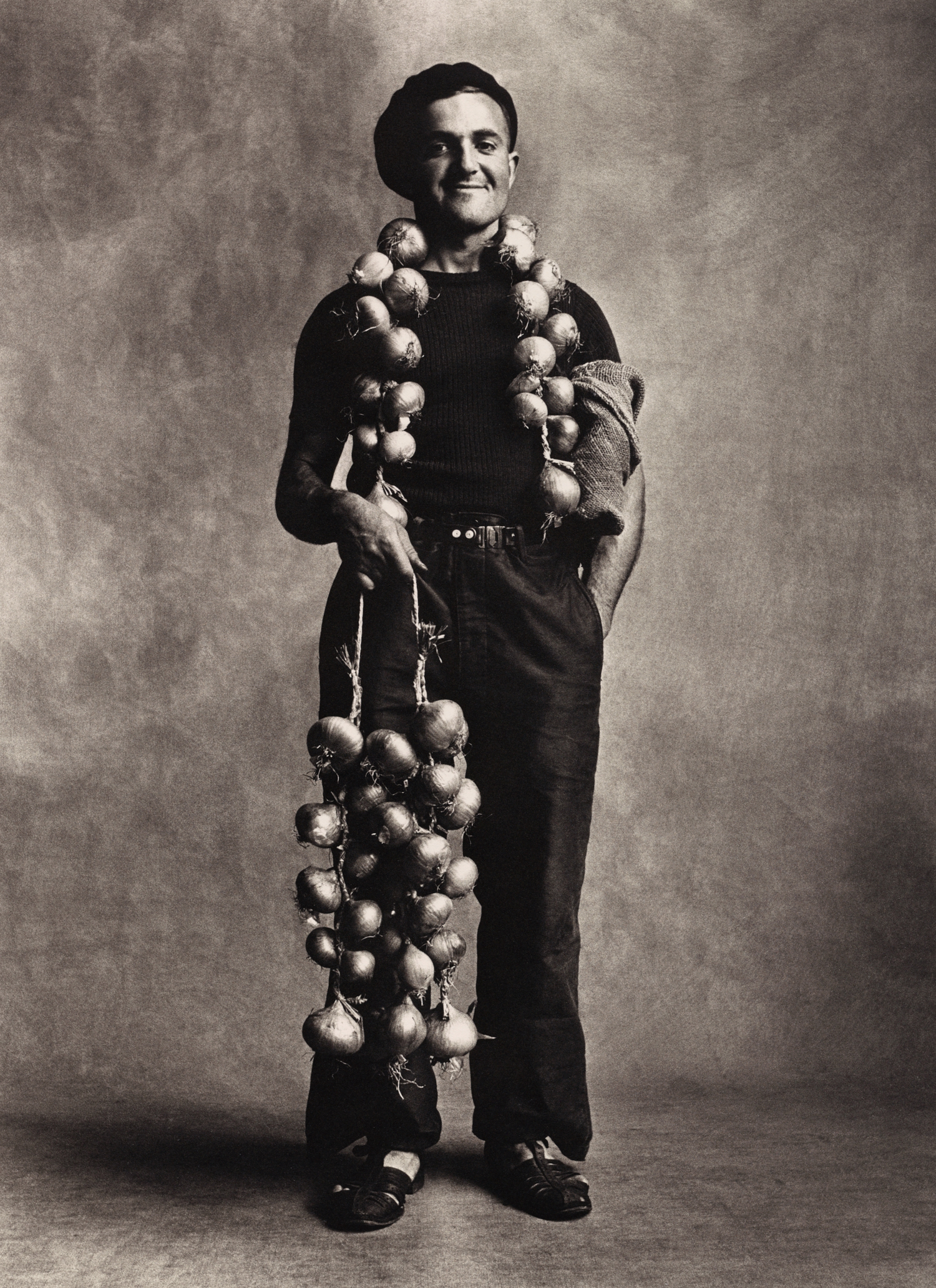 Breton Onion Seller , London, 1950 Platinum-palladium print © The Irving Penn Foundation