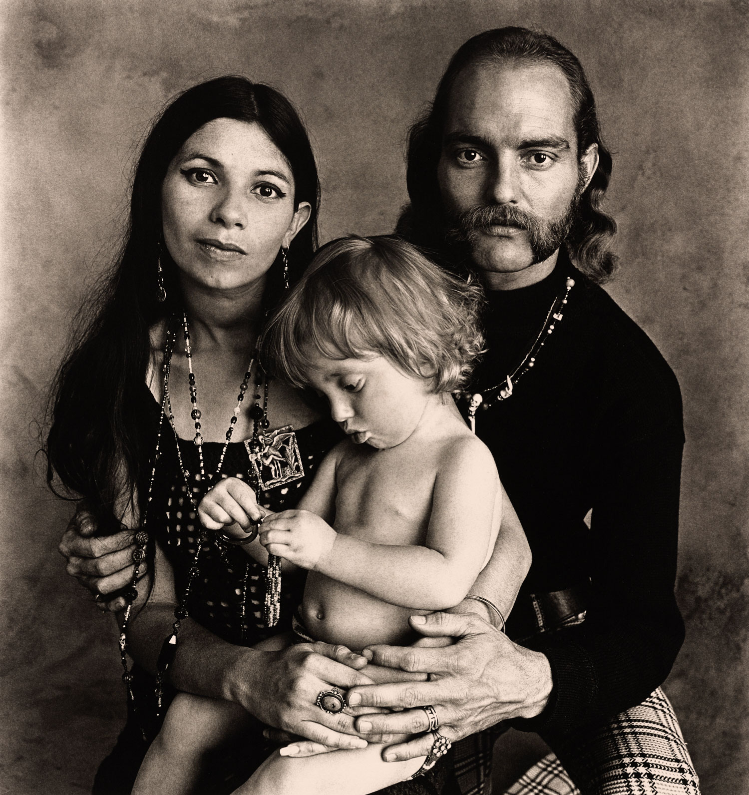 Irving Penn,  Hippie Family (Ferguson) , San Francisco, 1967 © The Irving Penn Foundation