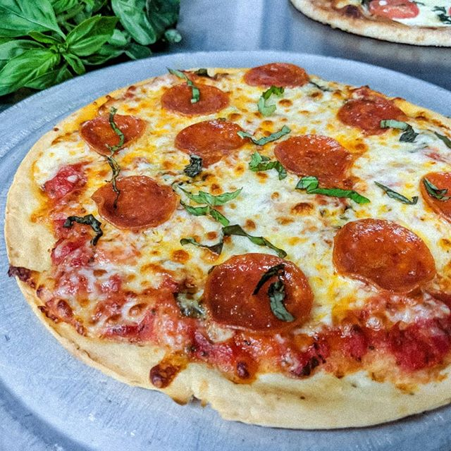 Cauliflower Crust Is Here 🍕🔥🍕🔥 . . . . . . .