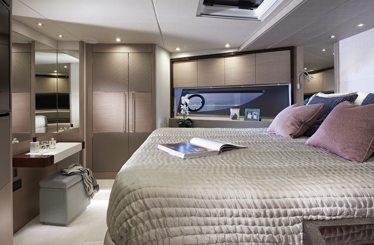Sunseeker 76 Forward Capin.jpg