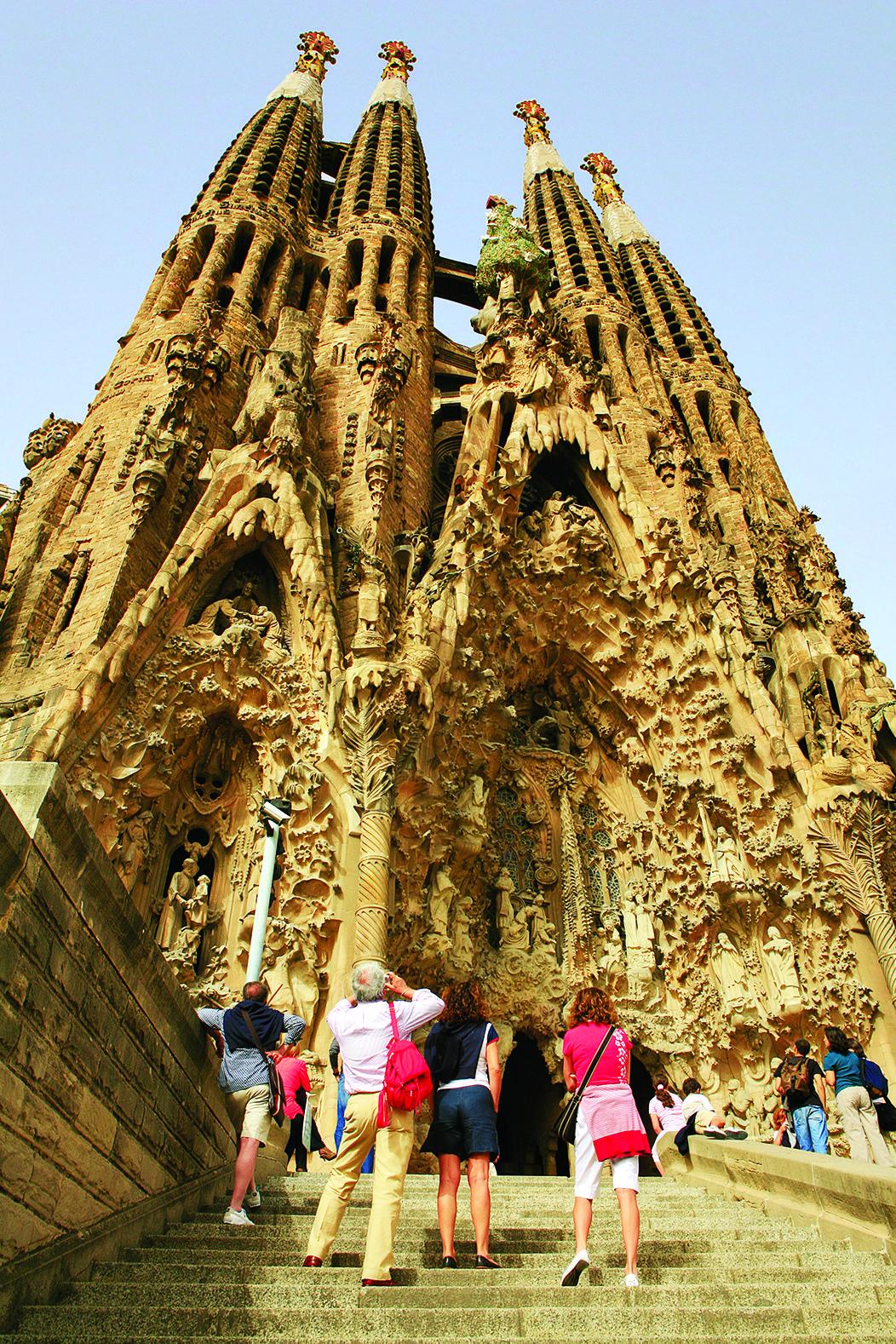 La_Sagrada_Familia_Barcelona.jpg