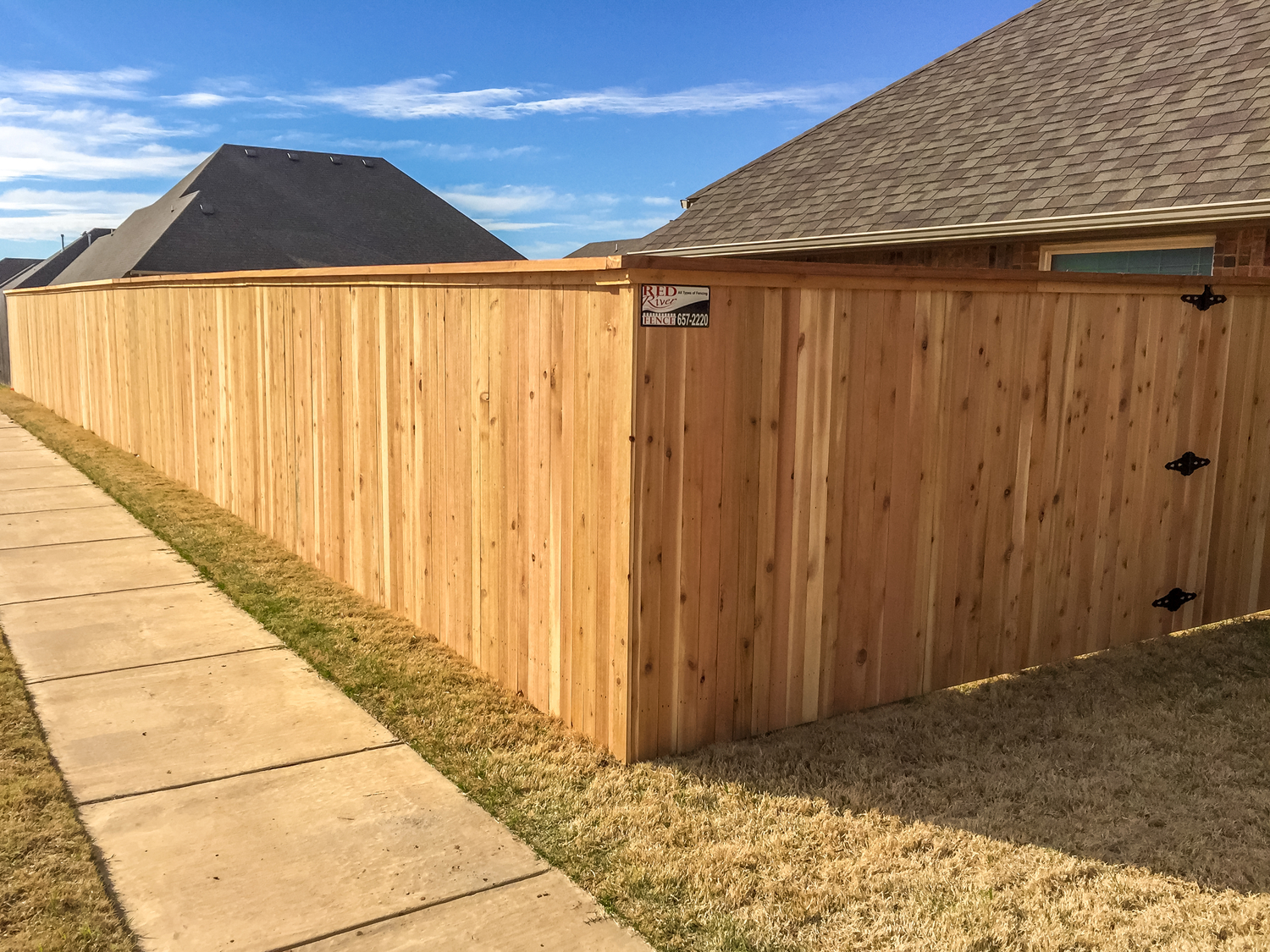 cedar-privacy-fence-cap-trim-r.jpg