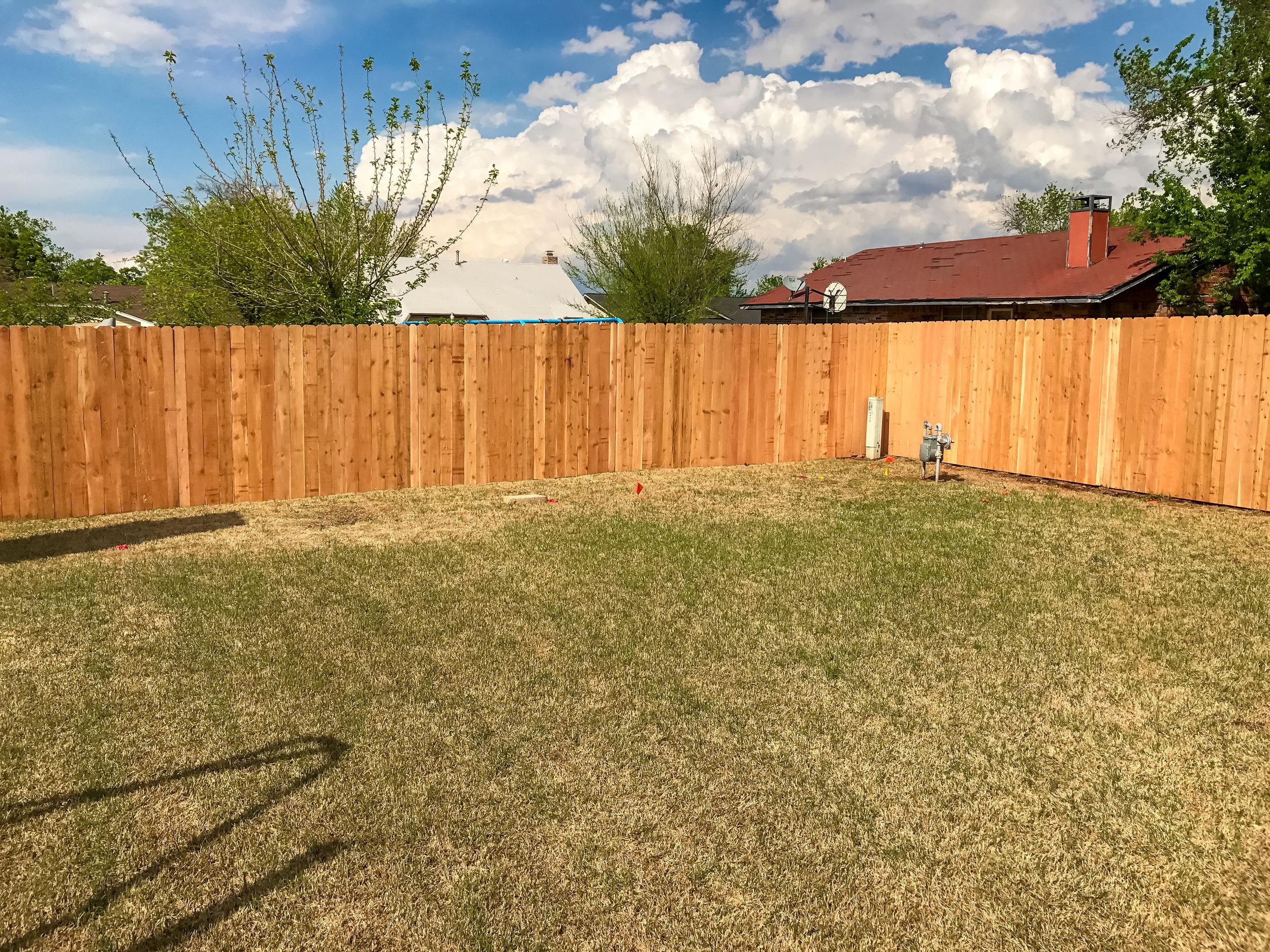 cedar-fence-privacy-redriverfence.jpg