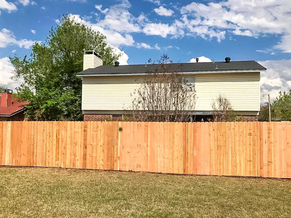 western-cedar-fence.jpg