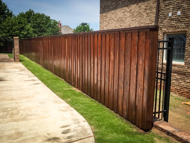custom-stain-fence-gate-redriverfence-1.jpg
