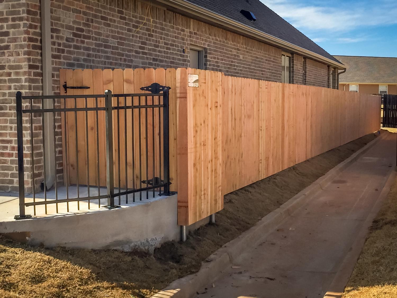 custom-cedar-fence-gate-redriverfence-5.jpg