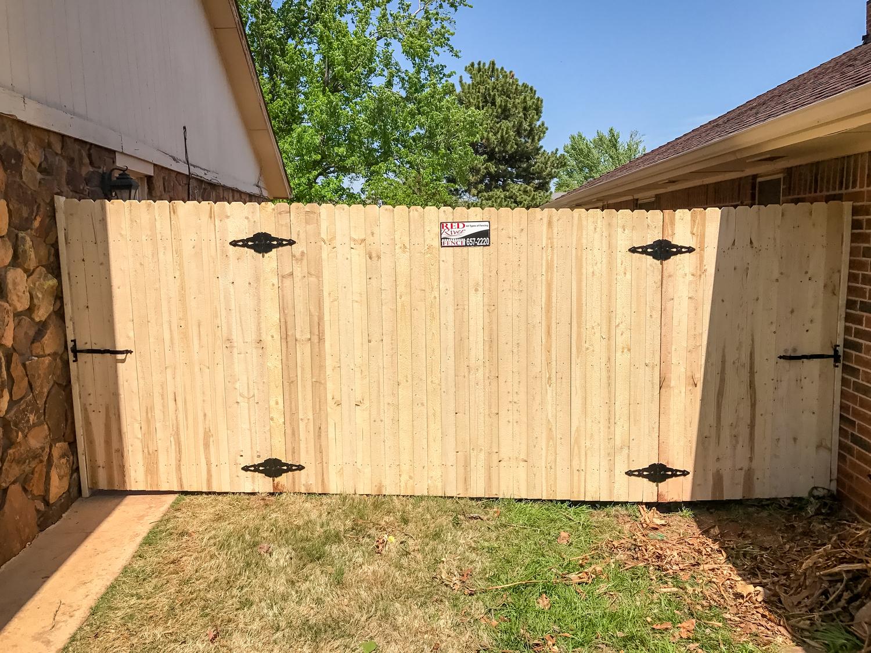 spruce-fence-gate-redriverfence-7.jpg