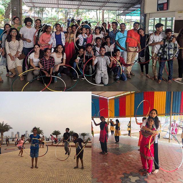 Hoola JOY all over #India with #joyspreader @rahelchakola ⭕️⭕️⭕️⭕️🎈🎈🎈🎈🎈❤️❤️❤️❤️ . . #hoolaforhappiness #spreadjoy #hoolaindia #hoopersofindia #indiahoopers #mumbaihoops #hoopgames #danceindia #indiadance