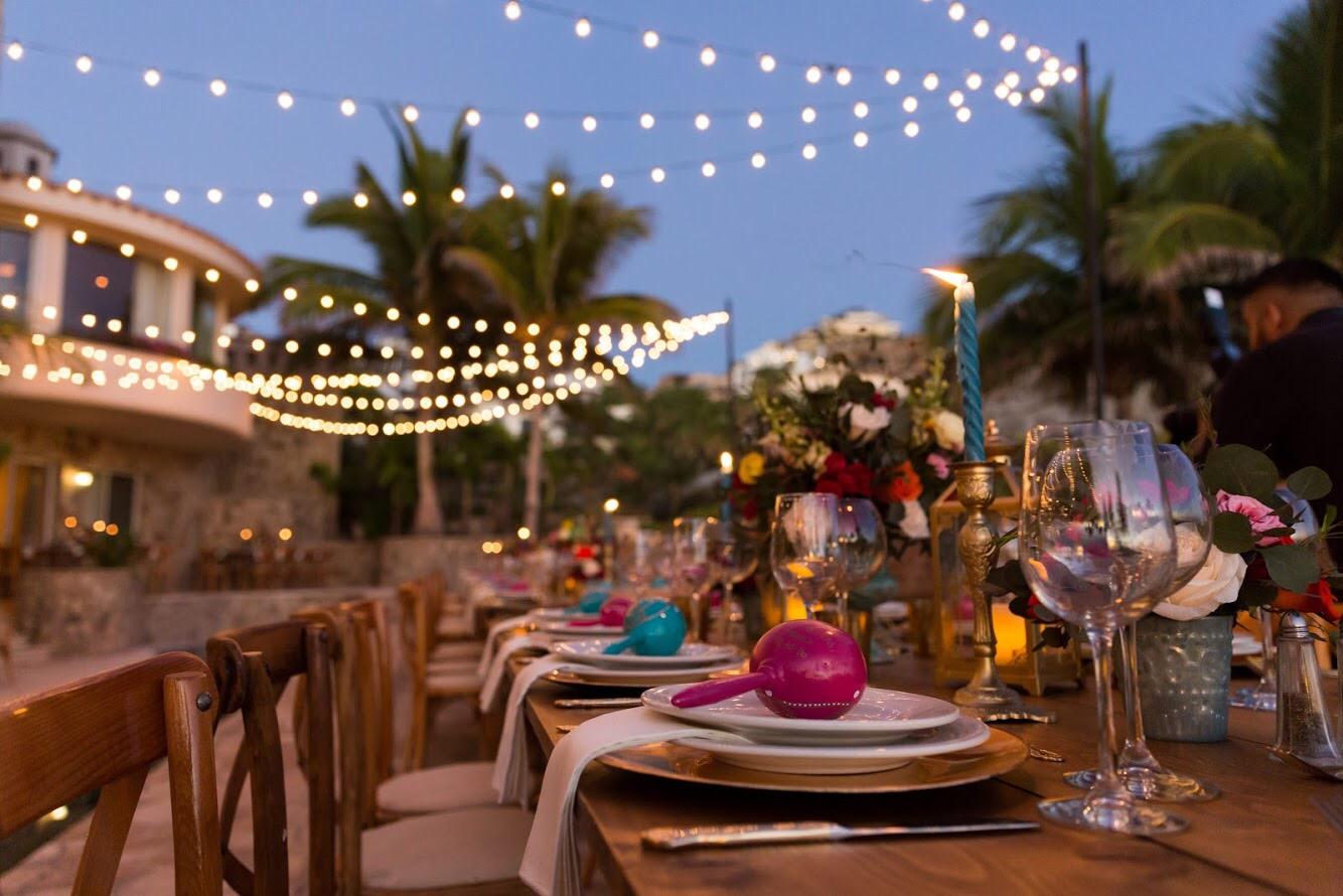 Photography:  Josafat De La Toba   Venue:  Villa Marcella Pedregal   Florals & Decor:  Main Event Cabo