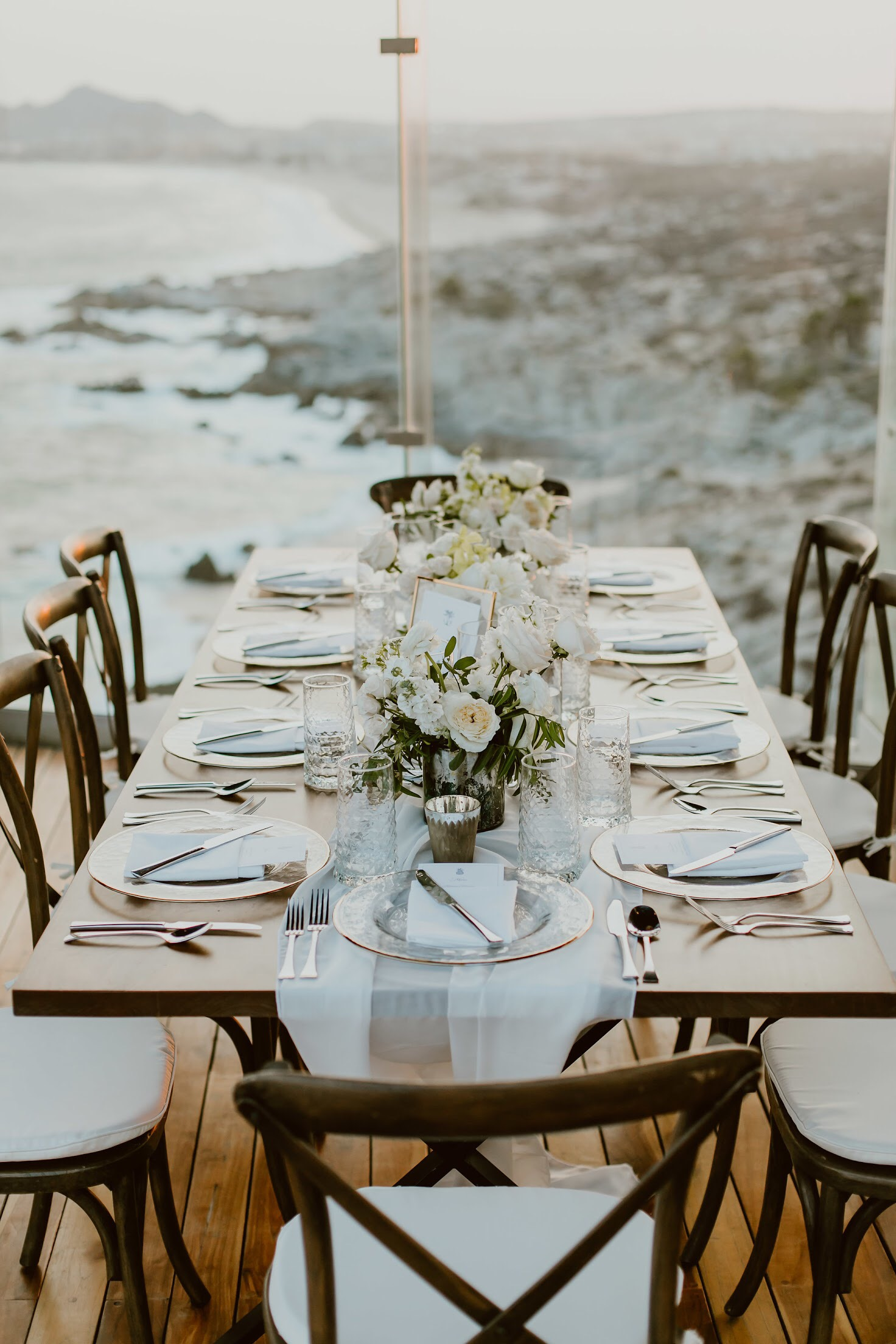 Photography:  Ana & Jerome   Venue:  The Cape    Florals:  Florenta
