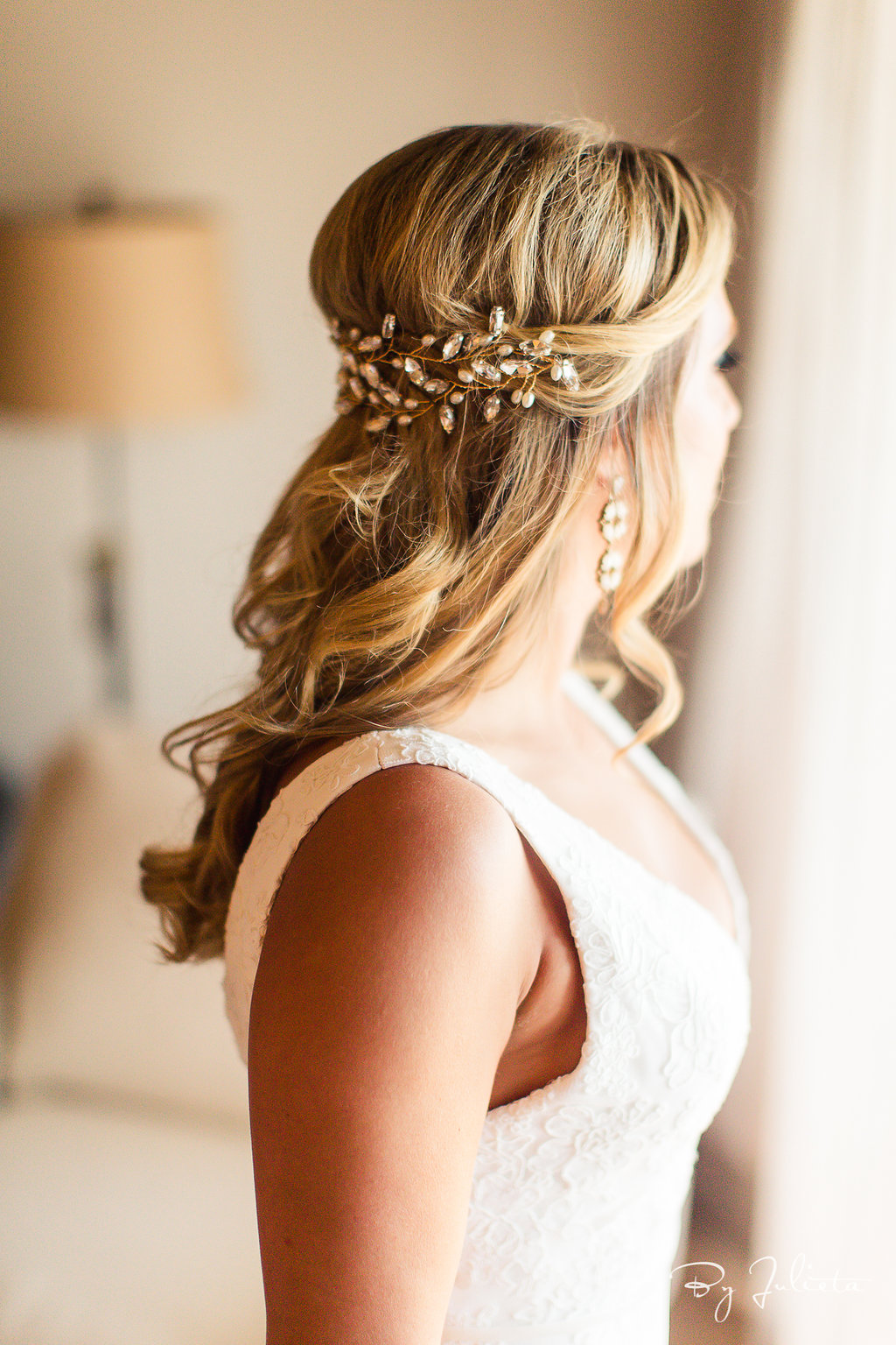 Outdoor Wedding Hairstyles Vivid Occasions