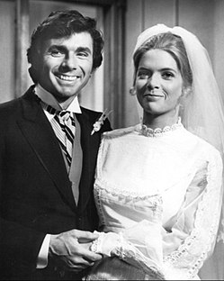 250px-Meredith_Baxter_David_Birney_Bridget_Loves_Bernie_1972.JPG