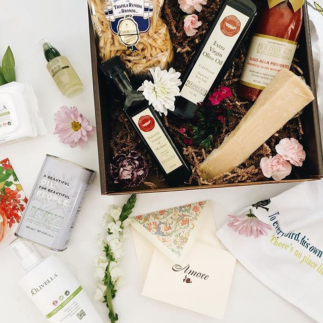 We've got you covered for all of the Mother's Day gifts your mom (or mother figure!) will love, AND ACTUALLY USE! Tea towels, gift boxes packed to the brim with Italian goodies, all-natural skincare products and so much more. Stop in, we'd love to help you pick something out. ❤️