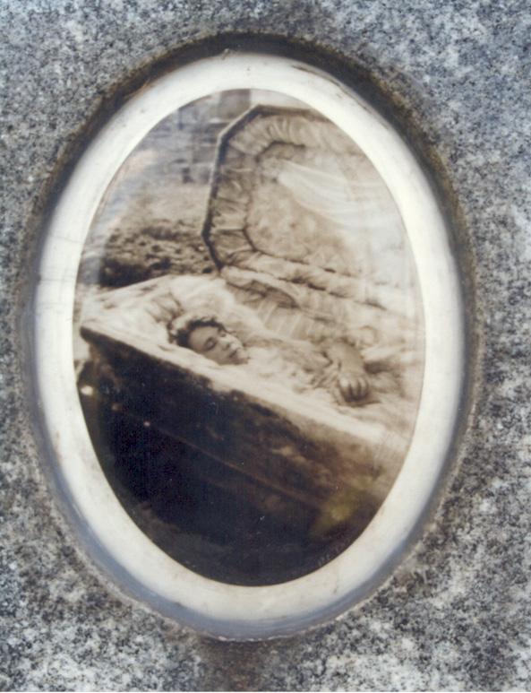 The postmortem photograph that was taken of Julia Buccola Petta after her grave was opened -- six years after her death. Her body had been completely preserved and those who touched her skin said that it was soft and pliable to the touch.