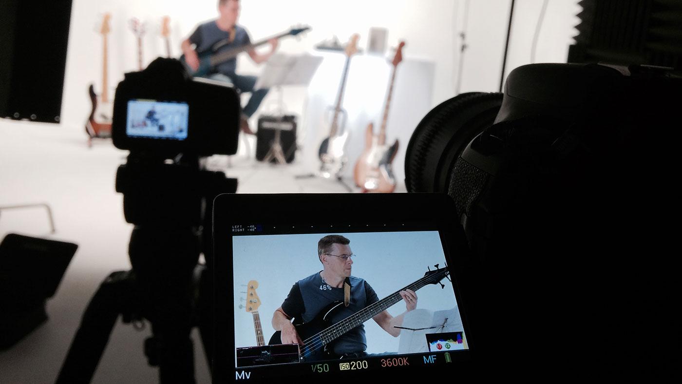 Studio-Bass.jpg