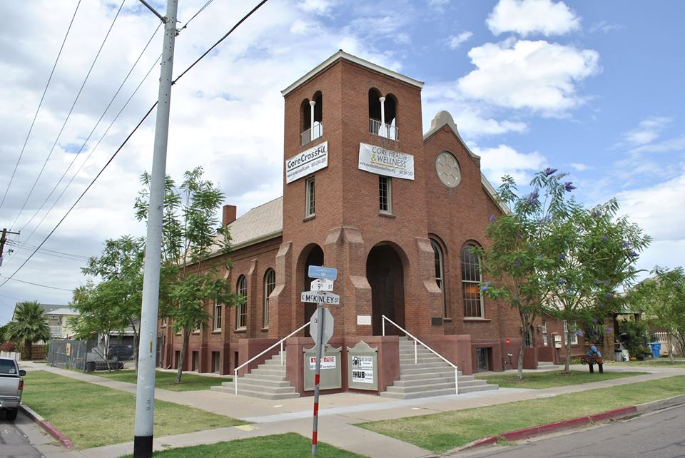 three queens circus school studio building in downtown phoenix arizona located at 902 east mckinley street.