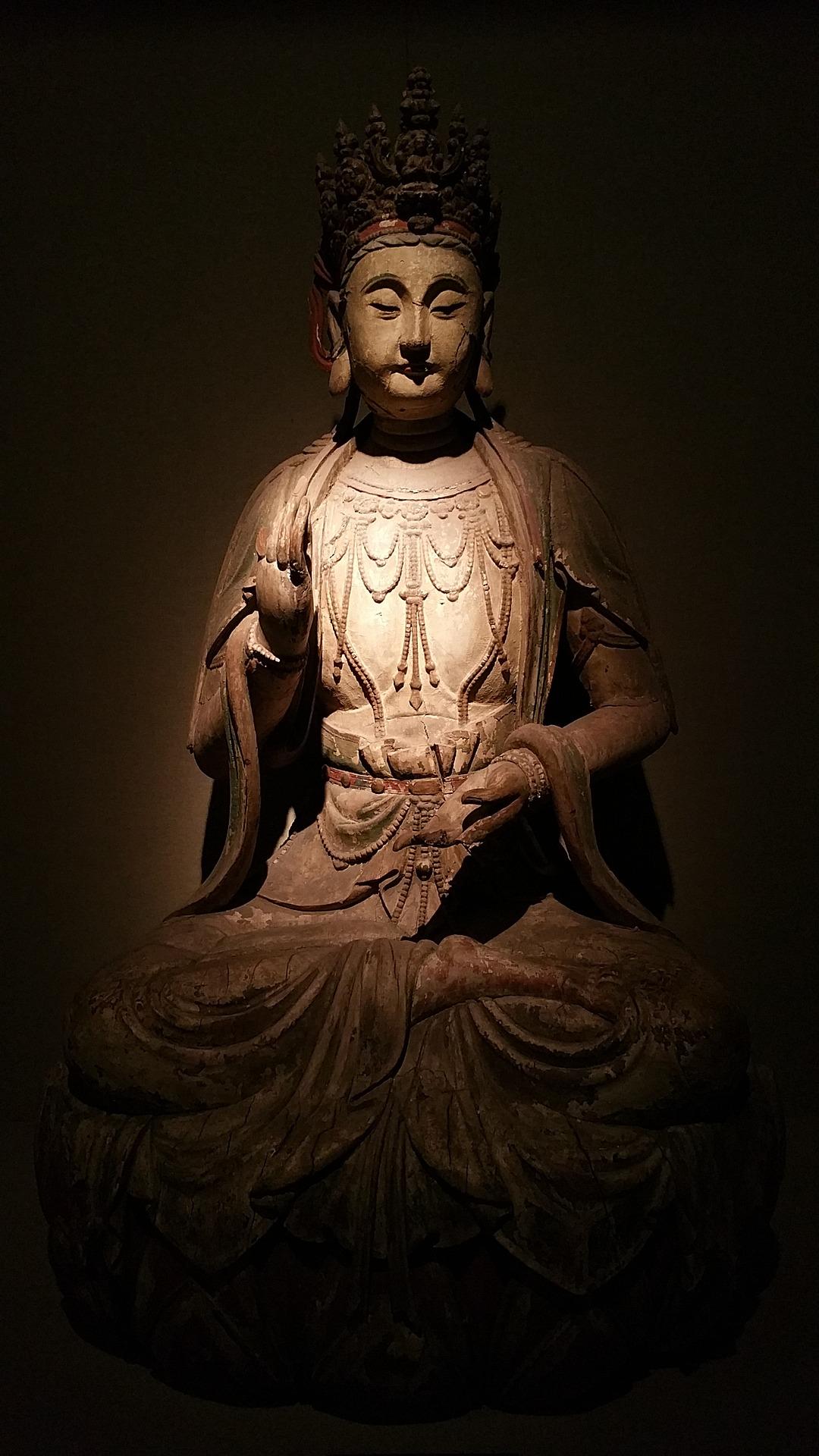 buddha-statues-1749476_1920.jpg