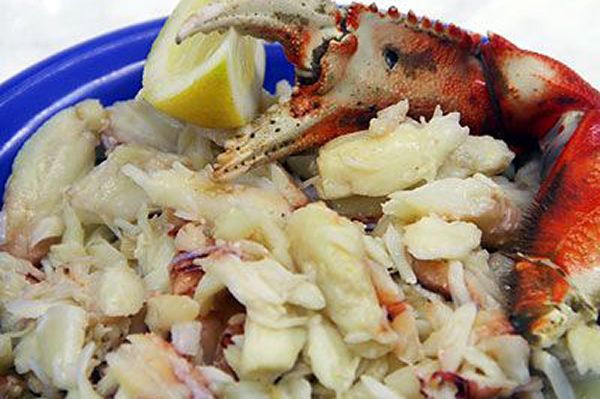 FRESH OR FROZEN DUNGENESS CRAB MEAT Fresh or frozen, enjoy our hand picked sweet, succulent crab without the hassle and mess! Fully cooked and ready for use.