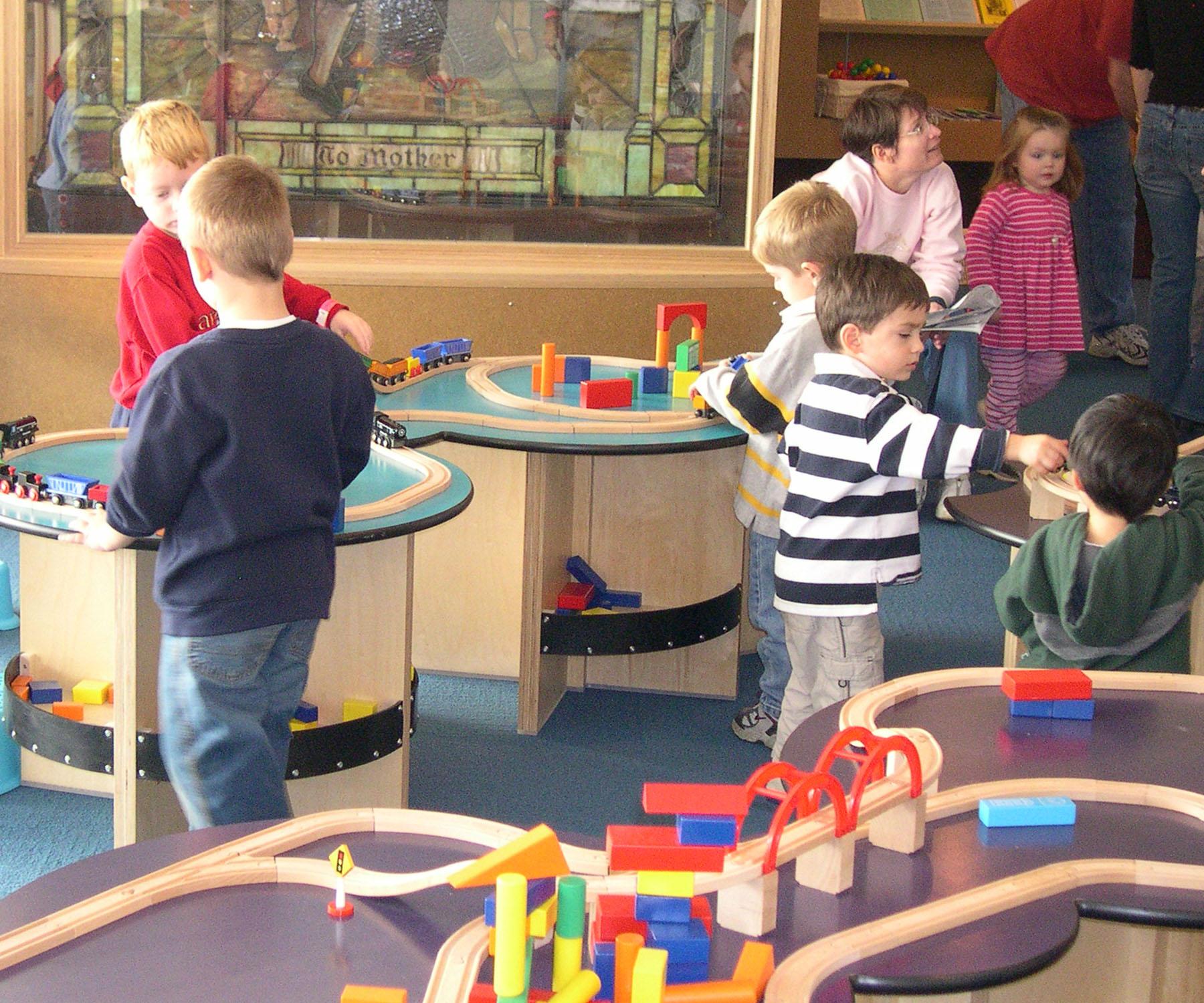 Nursery Train Table (5).jpeg