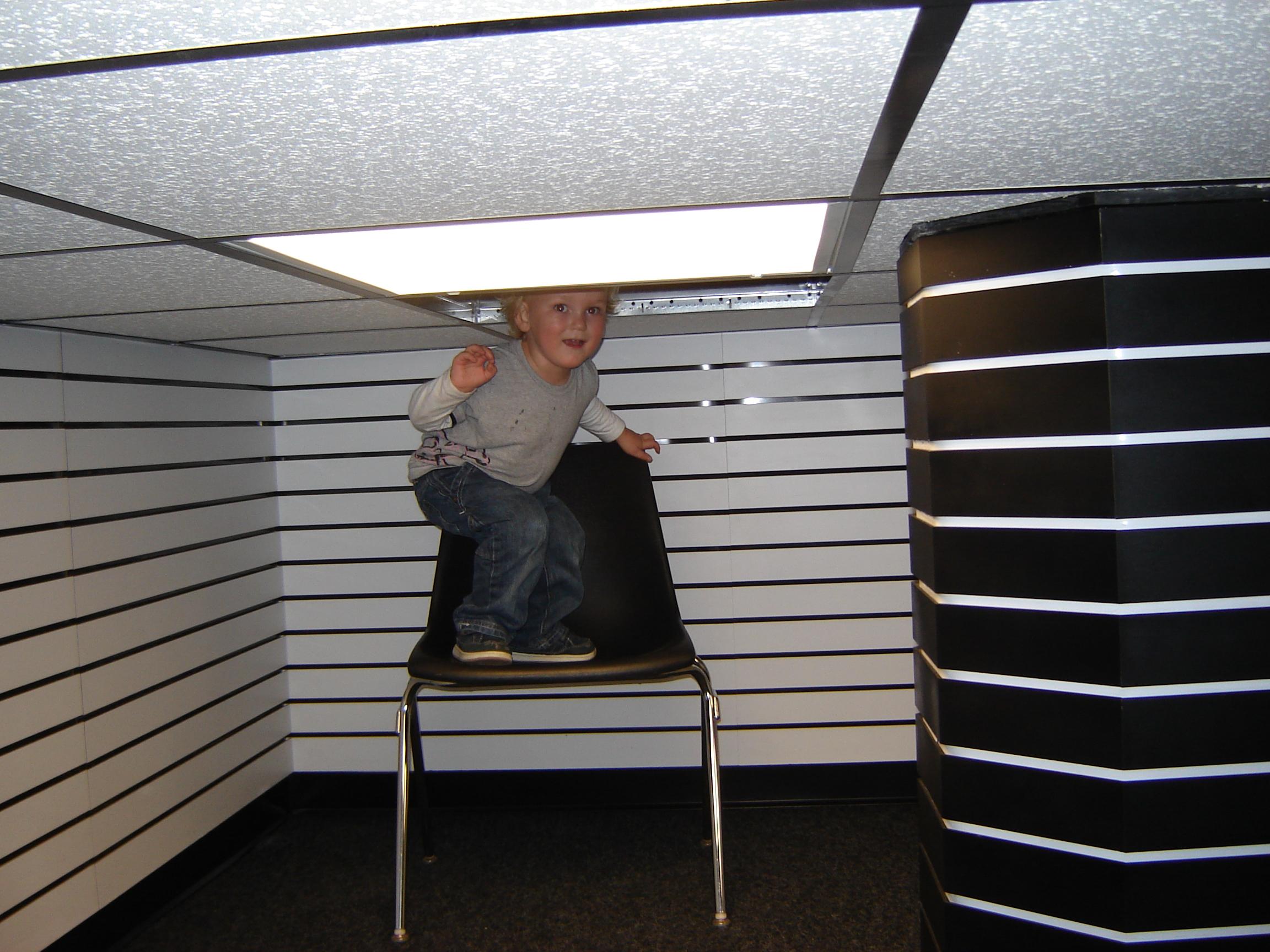 Drop Ceiling No. 3 (Dark Store),  Anneka Herre, 2009.