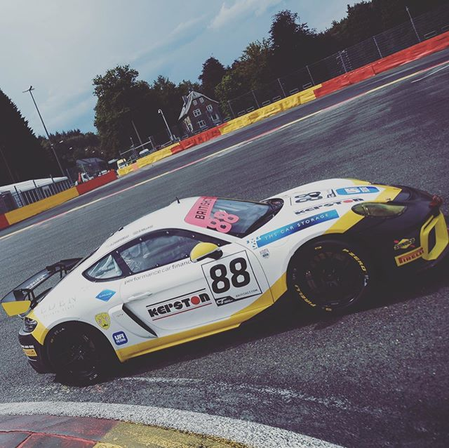 Spa GT4 Cayman 👀 Lil bit of balance to find for tomorrow's 2 hour Brit GT race but we're having fun 🤙🏼 #Cayman #Porsche #racing ————————————————— @edenprivatestaff • @pcfcarfinance • @tms_carstorage • #UFIFilters