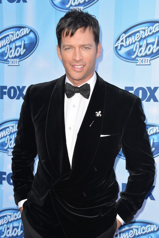 harry-connick-jr-brings-wife-jill-goodacre-to-american-idol-finale-06-620x929.jpg