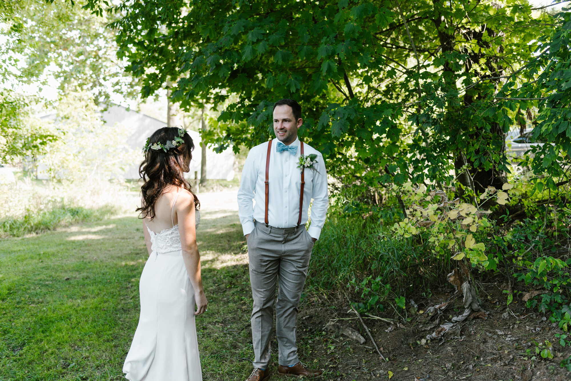 Quincy-Coldwater-Michigan-farm-wedding-photogapher-sydney-marie (47).jpg