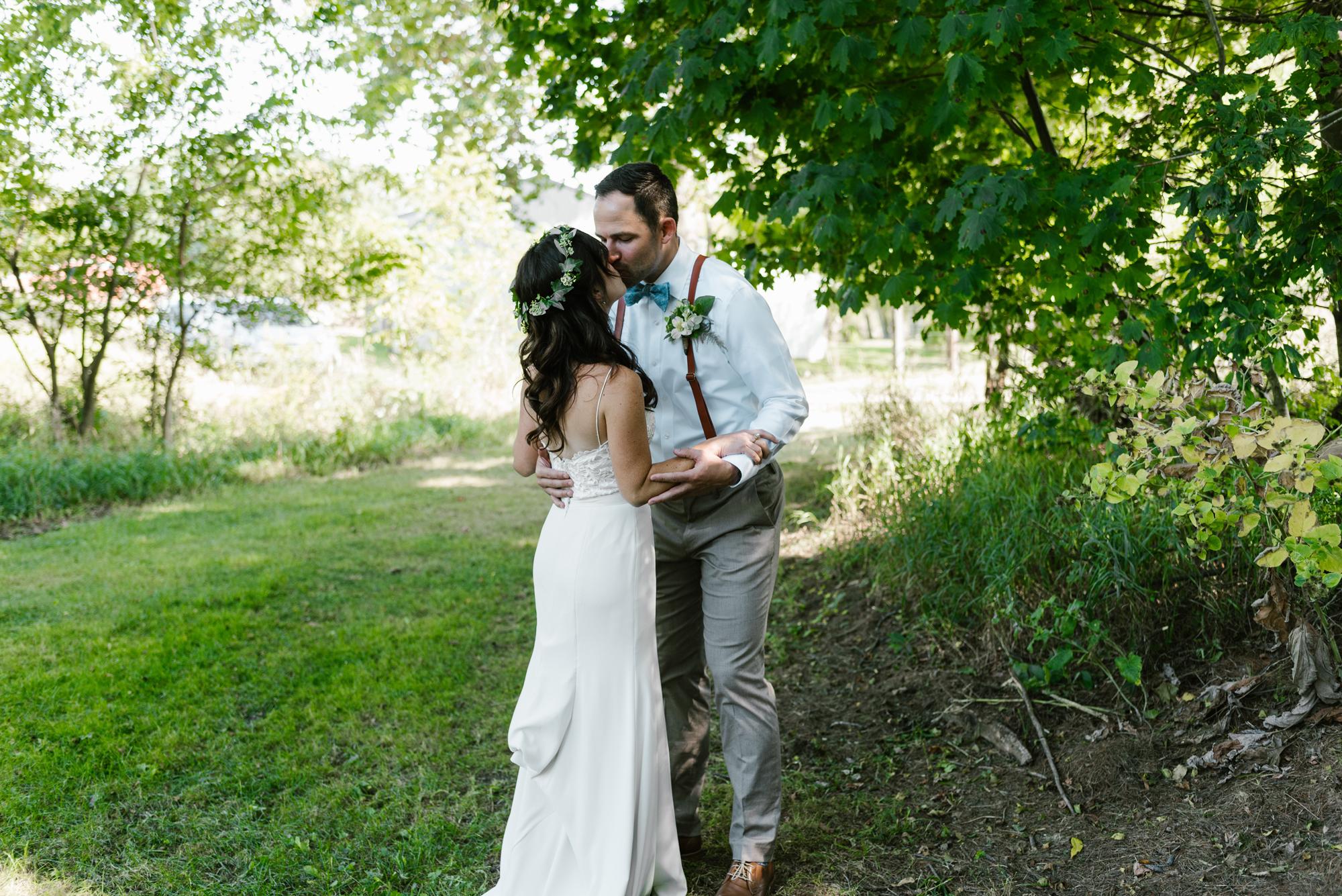 Quincy-Coldwater-Michigan-farm-wedding-photogapher-sydney-marie (51).jpg