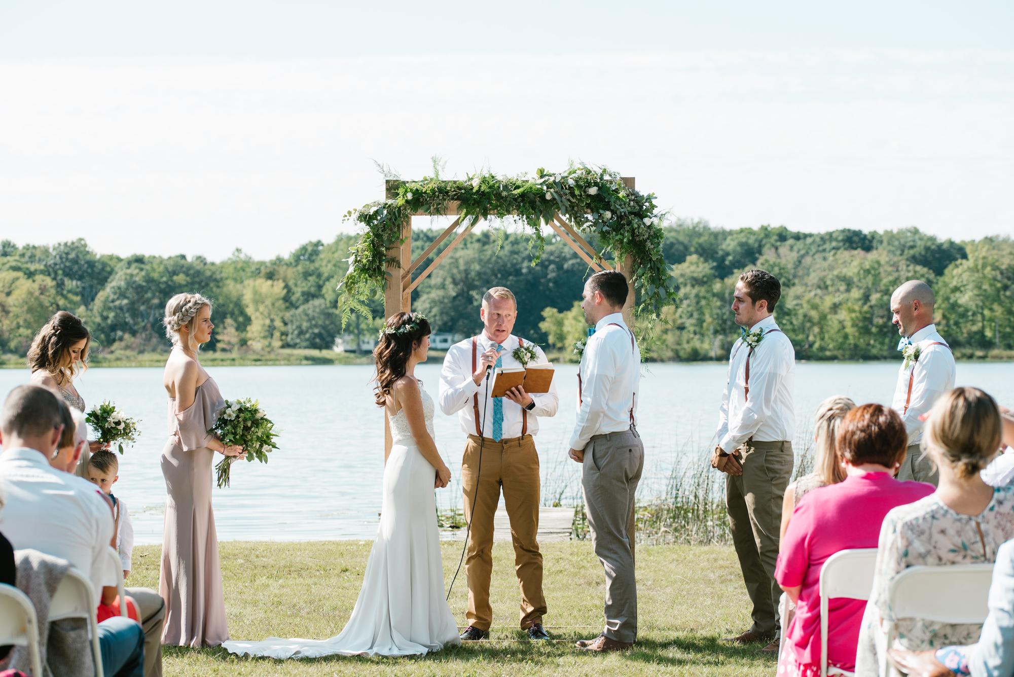 Quincy-Coldwater-Michigan-farm-wedding-photogapher-sydney-marie (111).jpg