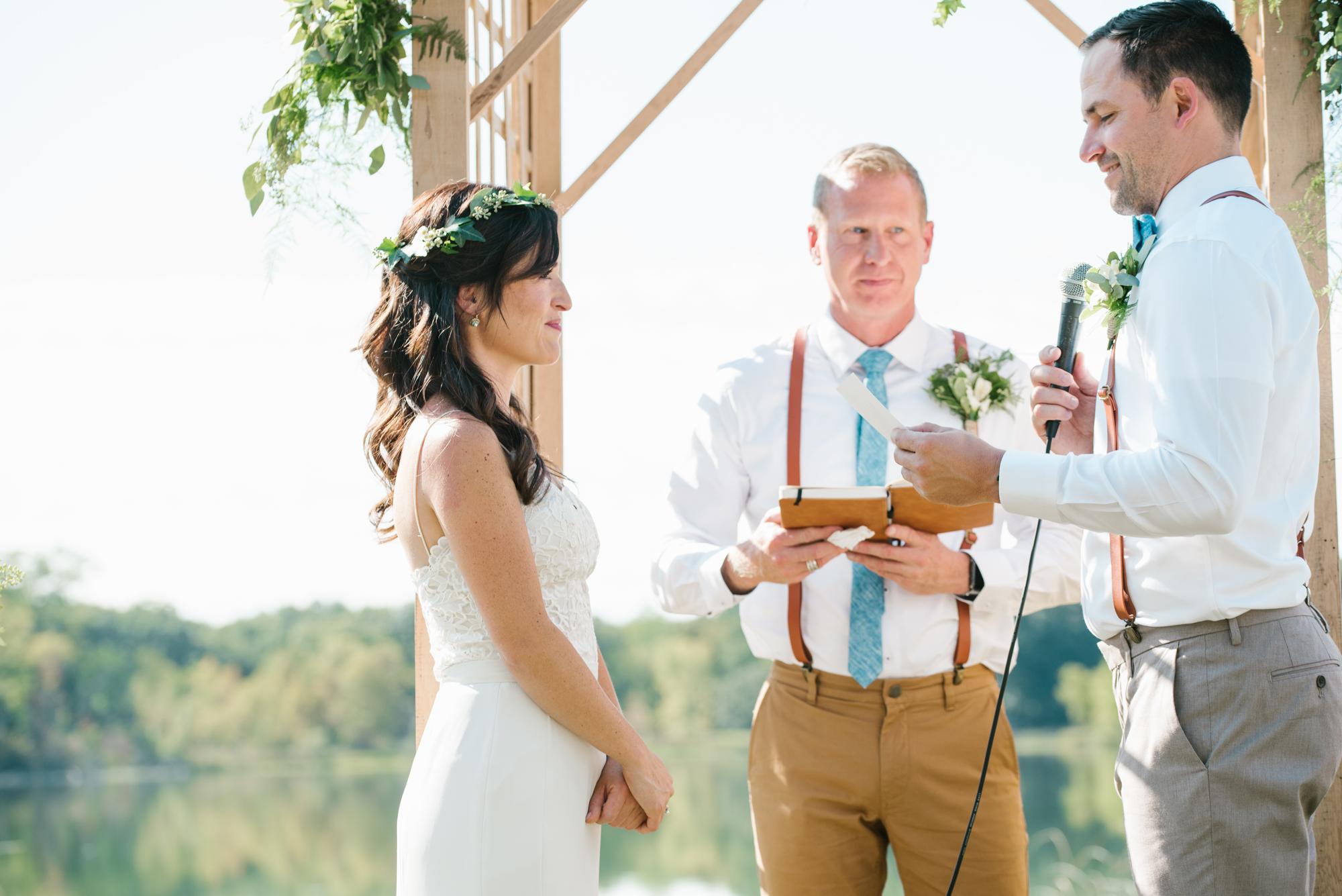 Quincy-Coldwater-Michigan-farm-wedding-photogapher-sydney-marie (163).jpg