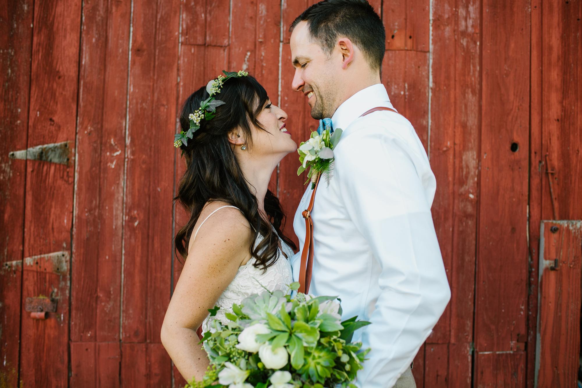 Quincy-Coldwater-Michigan-farm-wedding-photogapher-sydney-marie (293).jpg