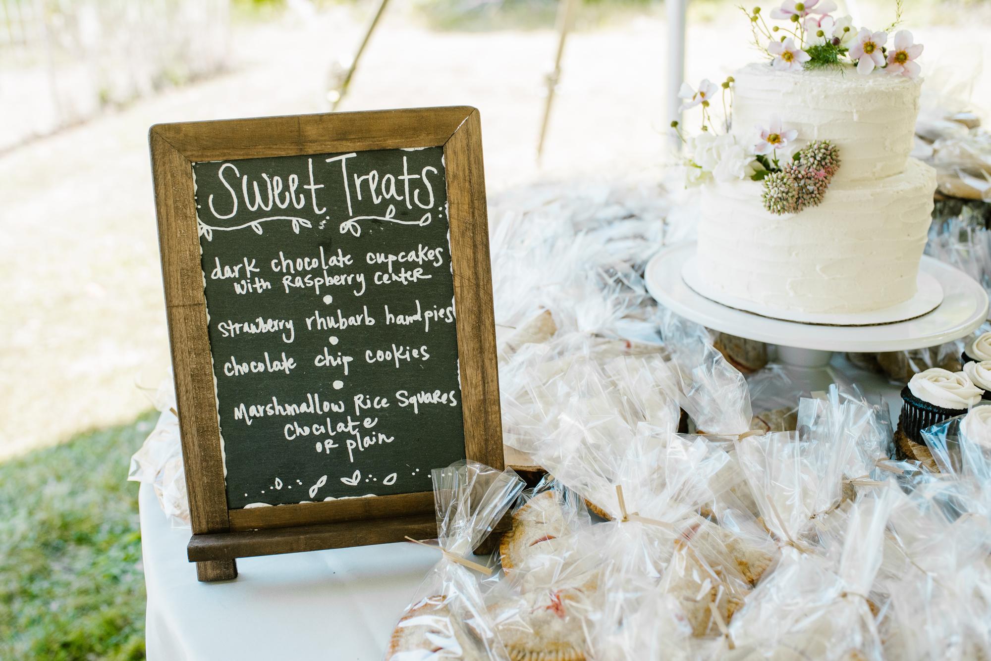 Quincy-Coldwater-Michigan-farm-wedding-photogapher-sydney-marie (2).jpg