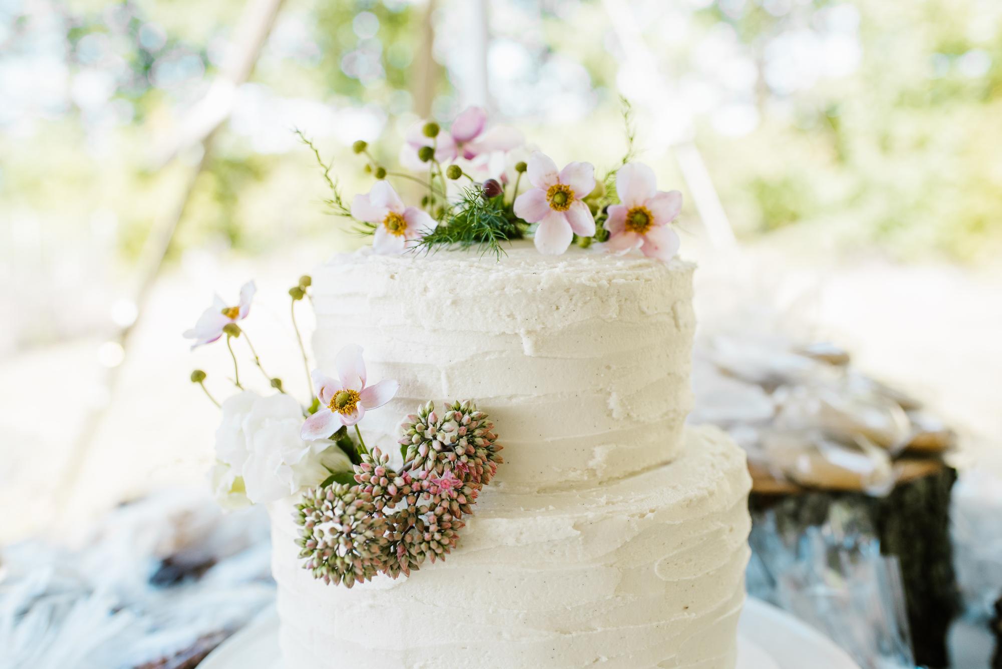 Quincy-Coldwater-Michigan-farm-wedding-photogapher-sydney-marie (8).jpg