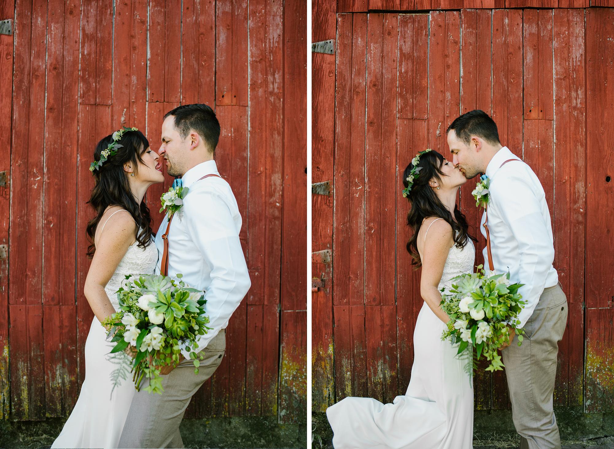 bride-groom-barn-michigan-wedding-photographer-sydney-marie.png