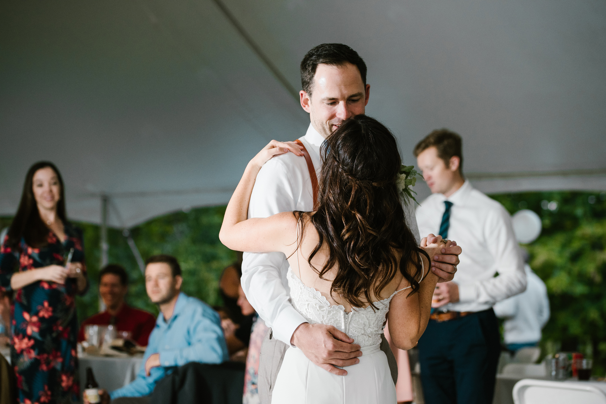 Quincy-Coldwater-Michigan-farm-wedding-photogapher-sydney-marie (447).jpg
