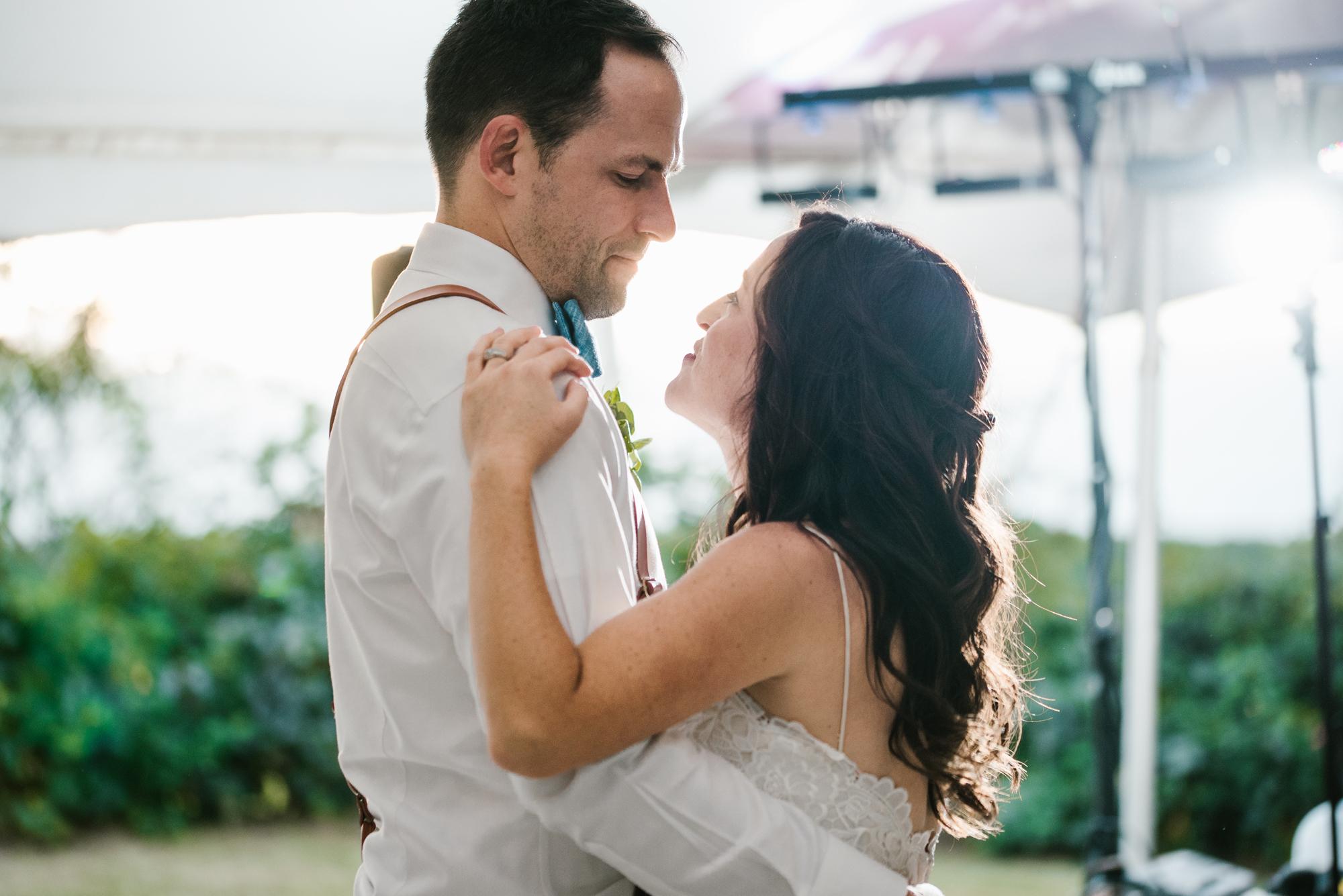 Quincy-Coldwater-Michigan-farm-wedding-photogapher-sydney-marie (446).jpg