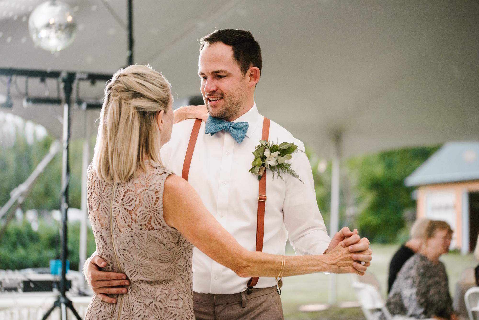 Quincy-Coldwater-Michigan-farm-wedding-photogapher-sydney-marie (477).jpg