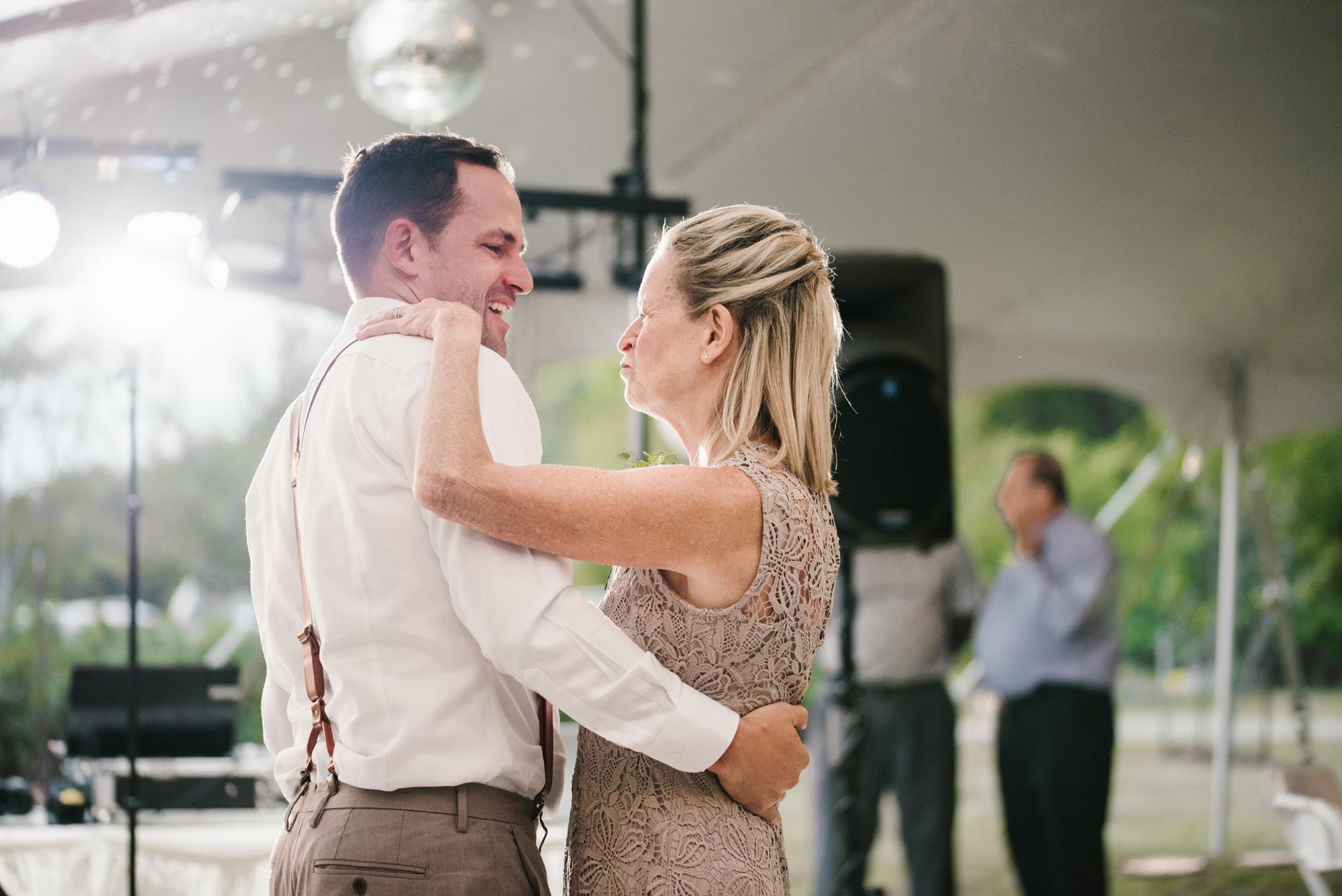 Quincy-Coldwater-Michigan-farm-wedding-photogapher-sydney-marie (475).jpg