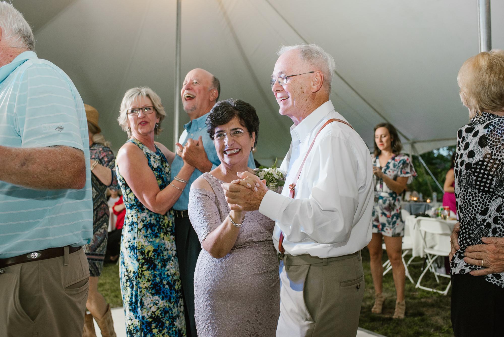 Quincy-Coldwater-Michigan-farm-wedding-photogapher-sydney-marie (497).jpg