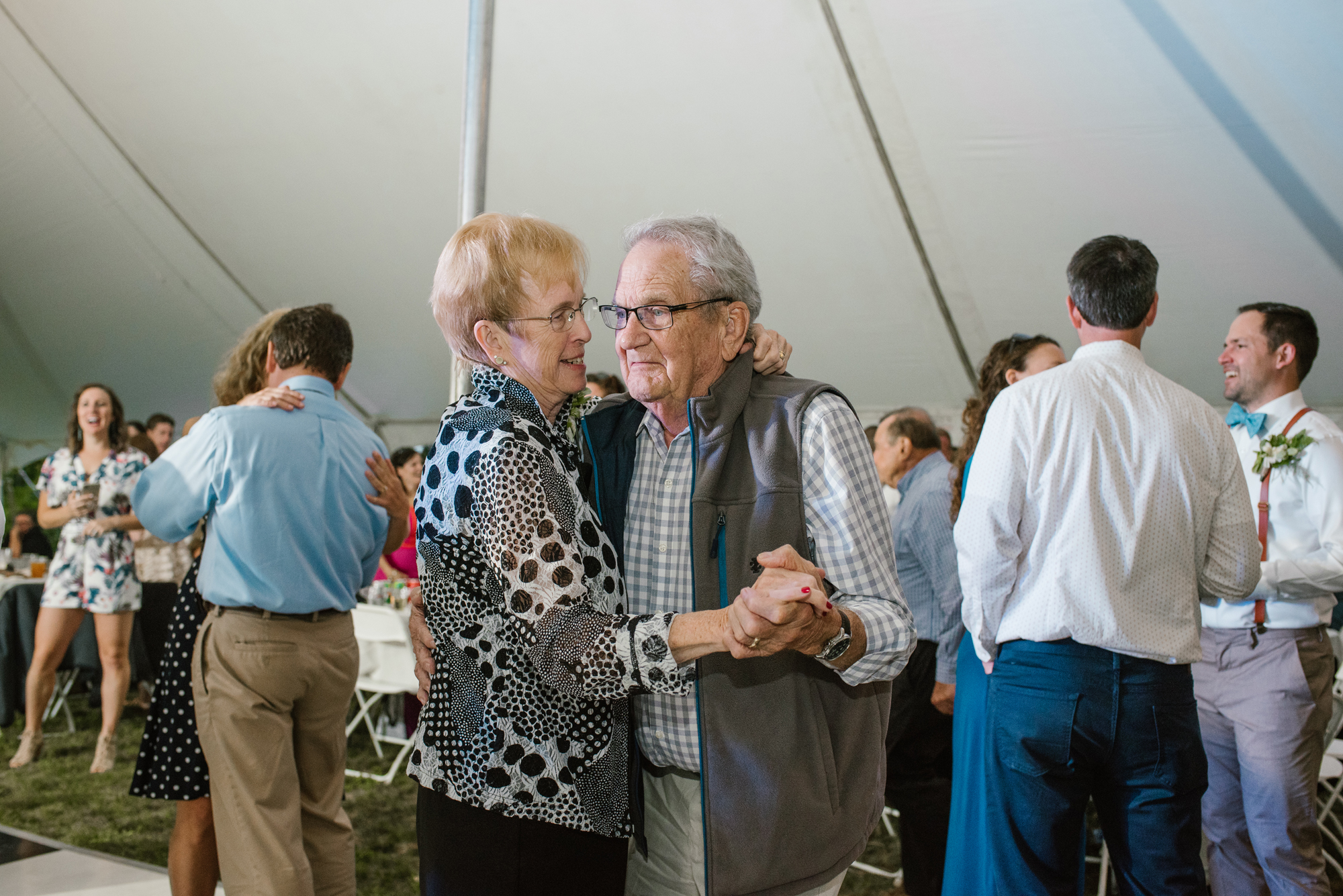Quincy-Coldwater-Michigan-farm-wedding-photogapher-sydney-marie (496).jpg