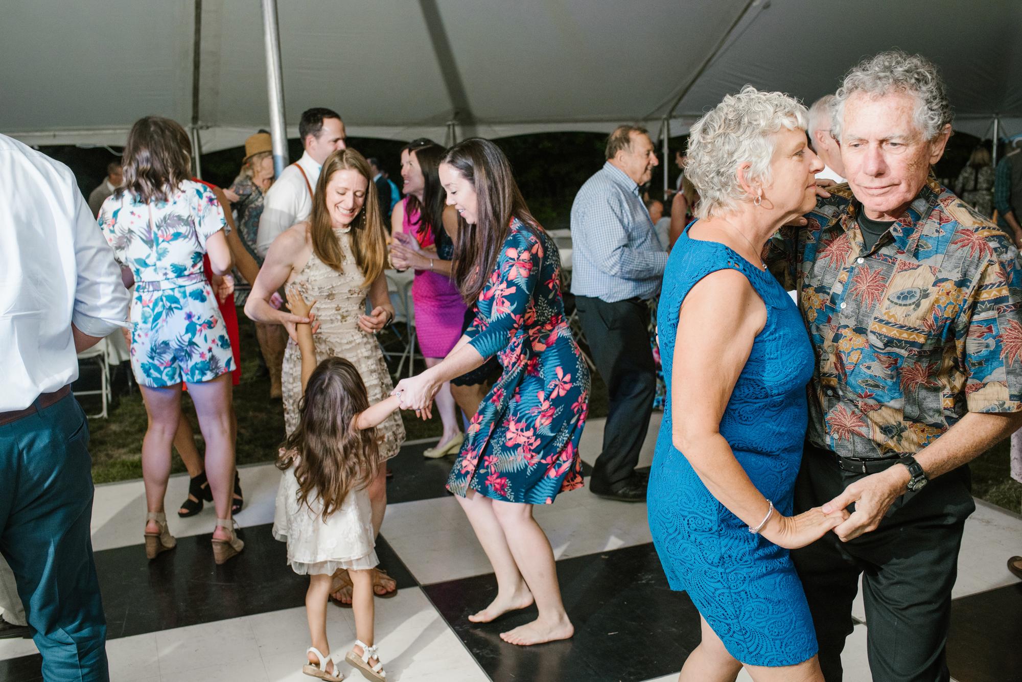 Quincy-Coldwater-Michigan-farm-wedding-photogapher-sydney-marie (534).jpg