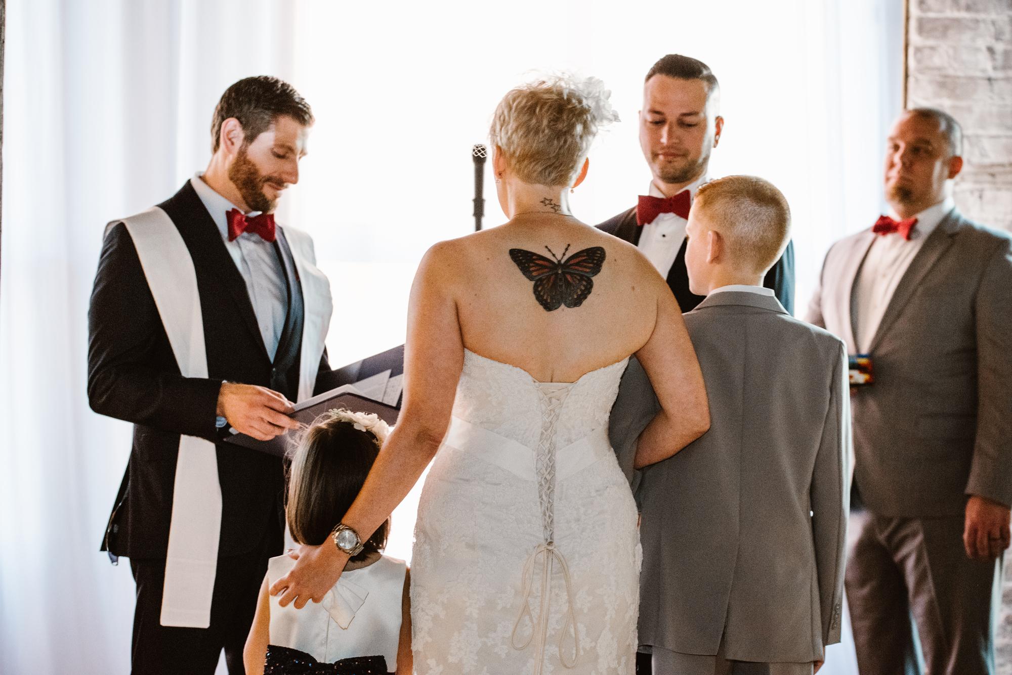 detroit-michigan-eastern-market-loft-wedding-sydney-marie (51).jpg