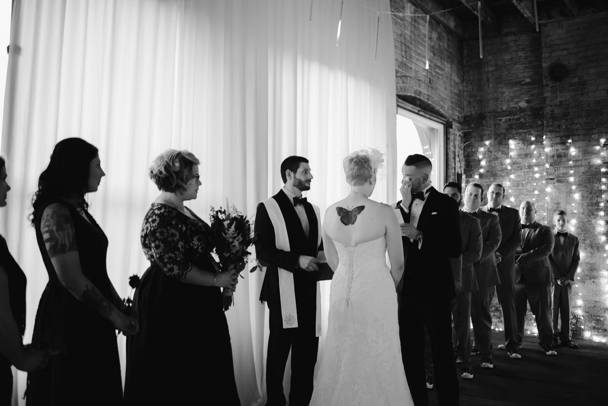 detroit-michigan-eastern-market-loft-wedding-sydney-marie (107).jpg