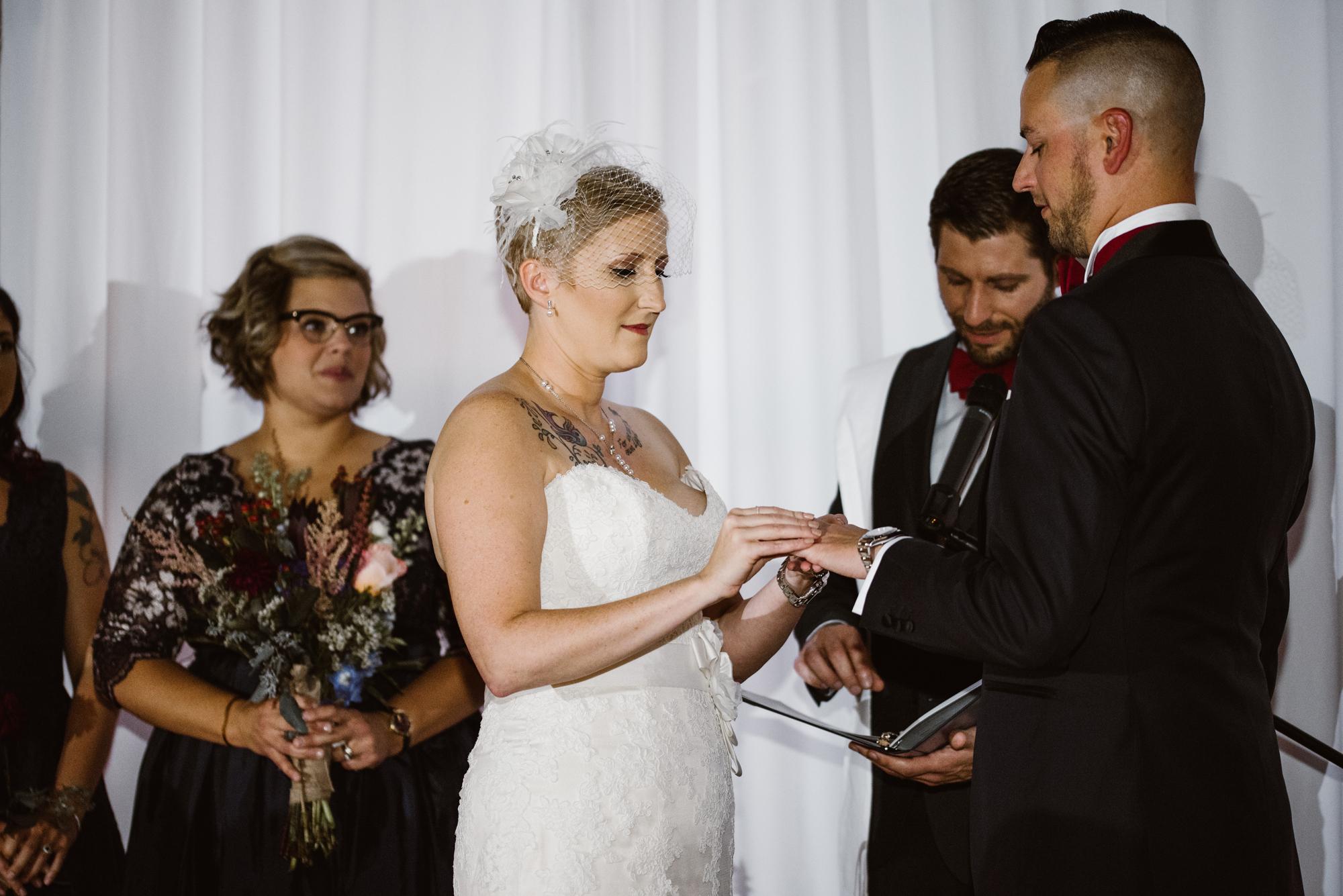 detroit-michigan-eastern-market-loft-wedding-sydney-marie (149).jpg