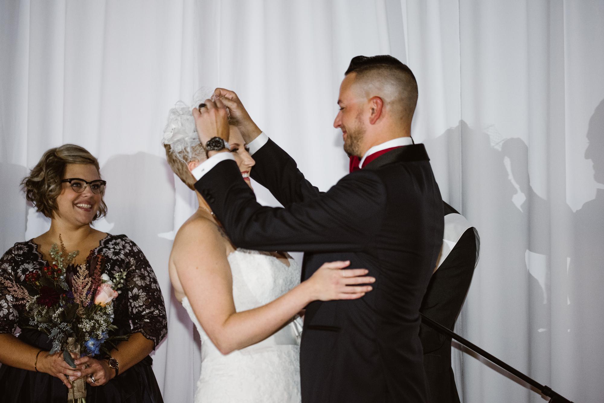 detroit-michigan-eastern-market-loft-wedding-sydney-marie (153).jpg