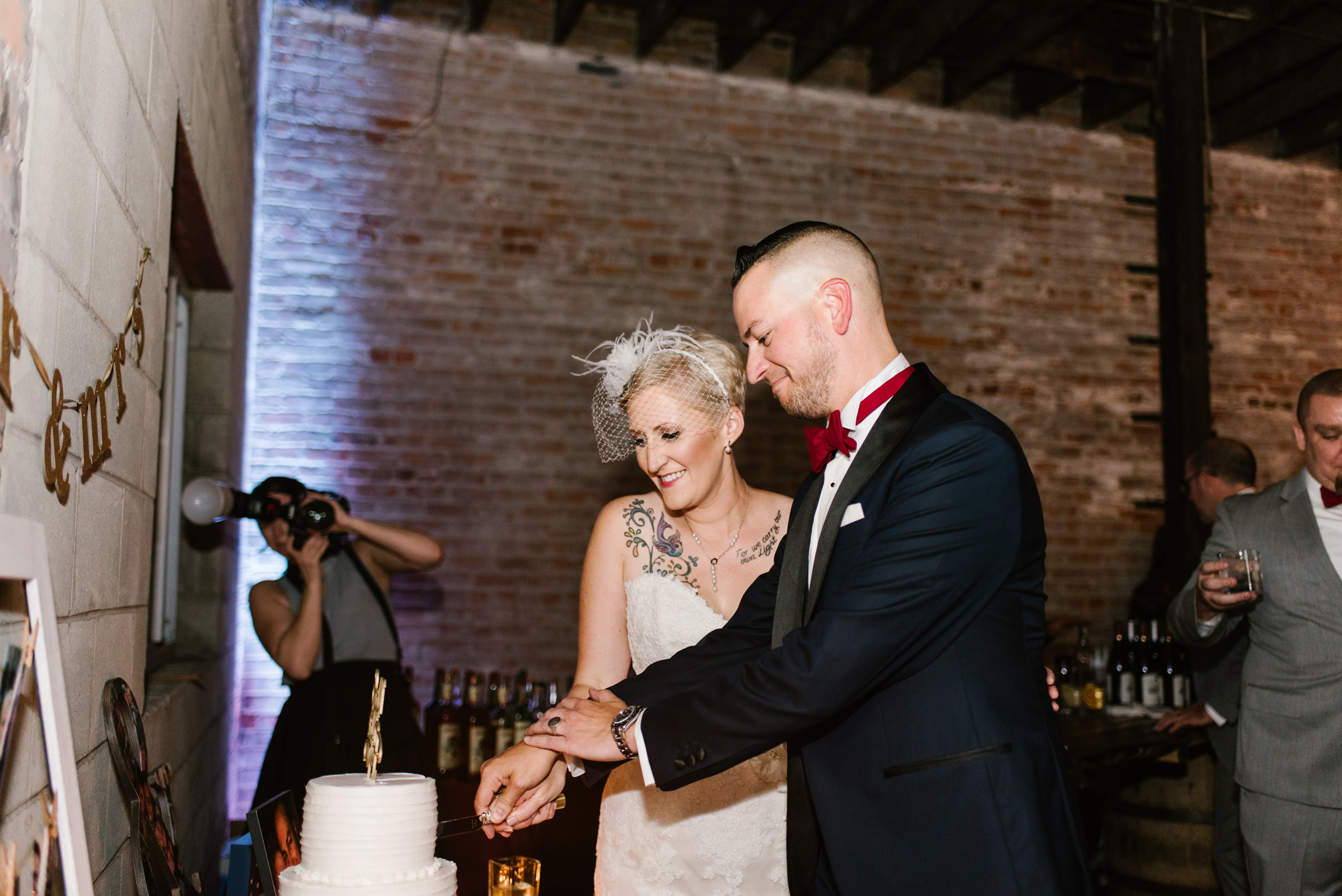 detroit-michigan-eastern-market-loft-wedding-sydney-marie (263).jpg