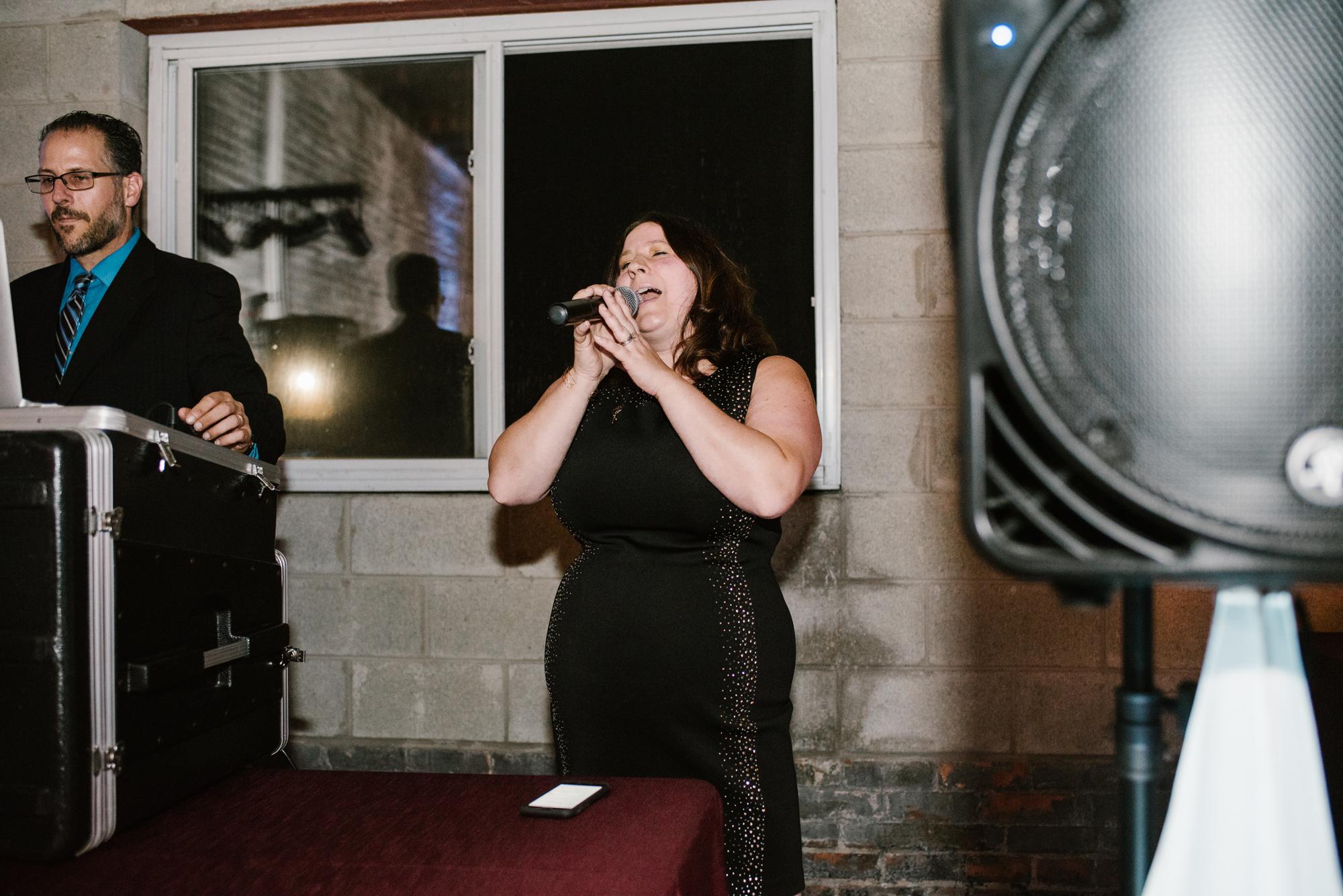 detroit-michigan-eastern-market-loft-wedding-sydney-marie (283).jpg
